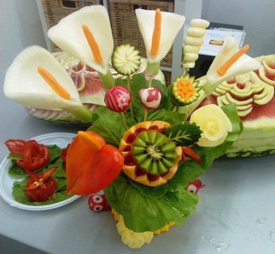 Corso di arte e decorazioni intaglio frutta e verdura - Decorazioni con frutta essiccata ...